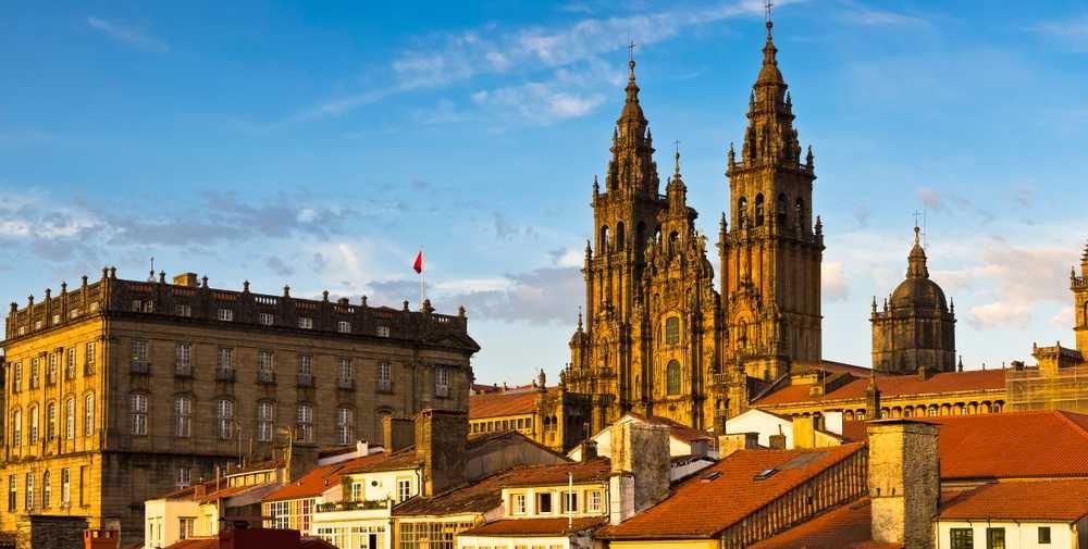 Portugal Imperdível com Santiago de Compostela (Fim Porto)- Série Bronze - PT107A